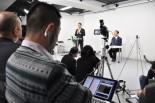 小沢氏記者会見。記者クラブ主催ではないためフリーランスが自由にネット中継し、小沢氏の話をありのままに伝えた。(27日、原宿ニコ生スタジオ。写真:筆者撮影)