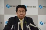 枝野大臣は「保安院による制御棒挿入時間の改ざん疑惑」を突き付けられると目をシロクロさせた。=撮影:諏訪 京=