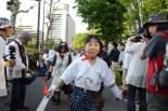 経産省前は「会津の盆踊り」演舞場と化した。=5日夕、霞が関。筆者撮影=