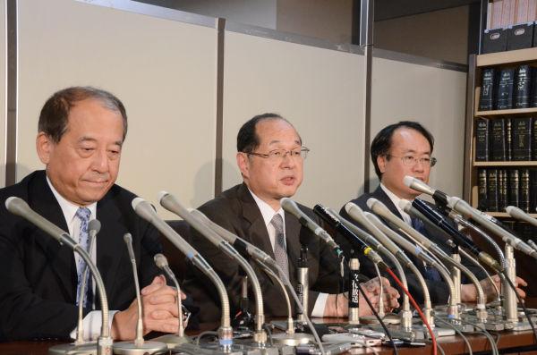小沢元代表の控訴を決め記者会見する指定弁護士。=9日、司法記者クラブ・東京地裁。写真:筆者撮影=