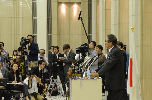 集まった報道陣は約200人。内政や外交に「慎太郎節」が炸裂した。=写真:田中撮影=