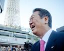 東京スカイツリータウンに集まった聴衆を前に破顔一笑する小沢一郎氏。=10日、墨田区。写真:島崎ろでぃ撮影=